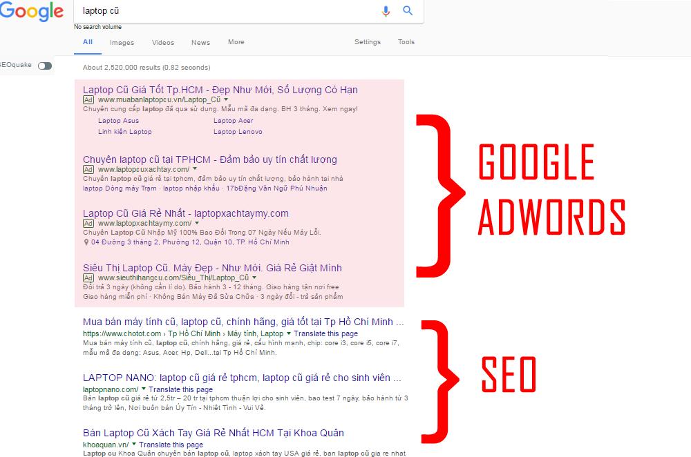 """Phần đầu tiên, có ghi là """"Qc"""" (quảng cáo) hoặc """"Ad"""" (advertising) có nghĩa  là Google Adwords, và phần tiếp theo không có những chữ ấy kế bên đó là  S.E.O ..."""